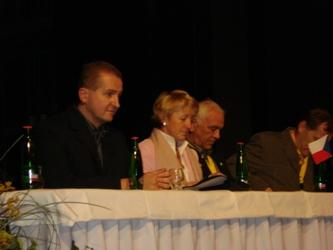 představení hostů